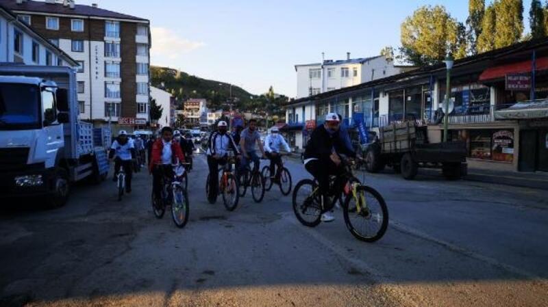 İmranlı'da bisiklet turu düzenlendi