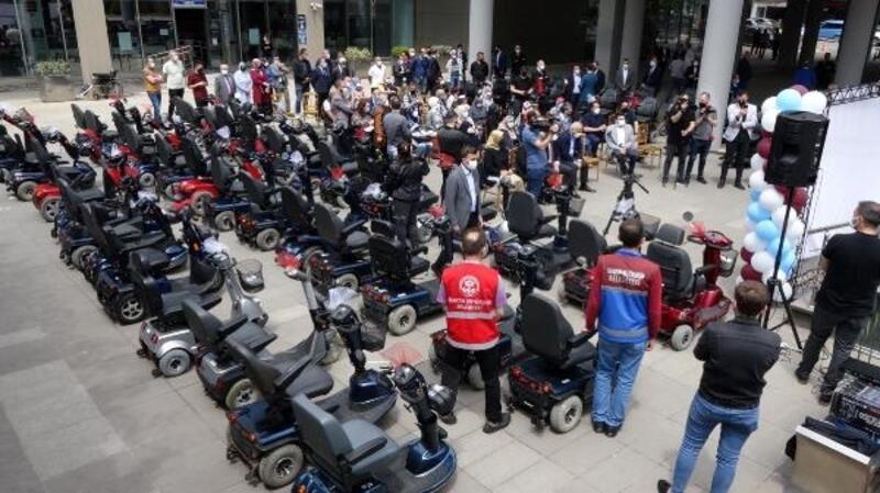 Trabzon'da 106 tekerlekli sandalye dağıtıldı