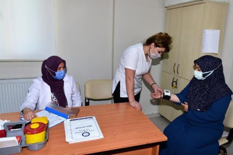 Yıldırım Belediyesi kadınlara sağlık taraması yaptı