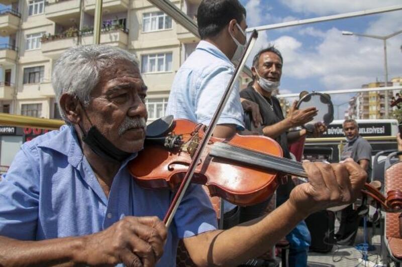 Büyükşehir'den Silifkeli 75 Roman müzisyene destek