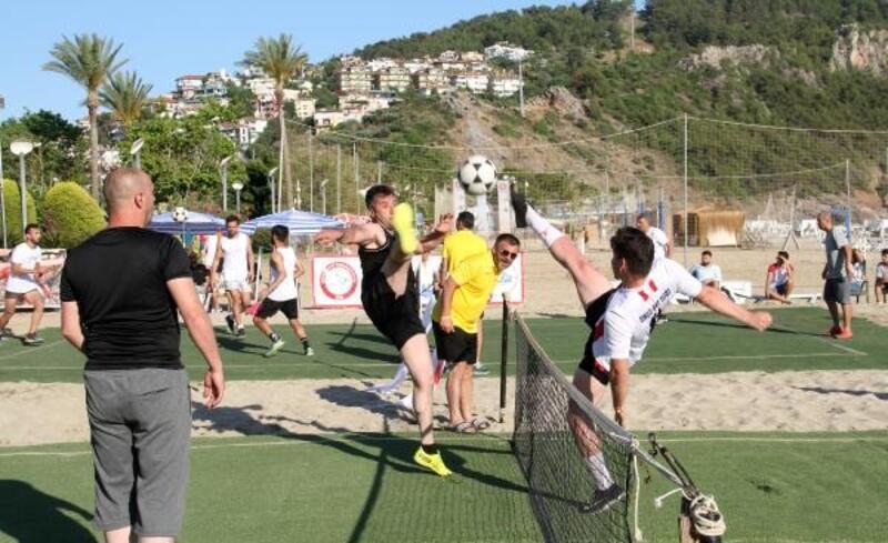 Ayak Tenisi Şampiyonası Alanya'da yapıldı