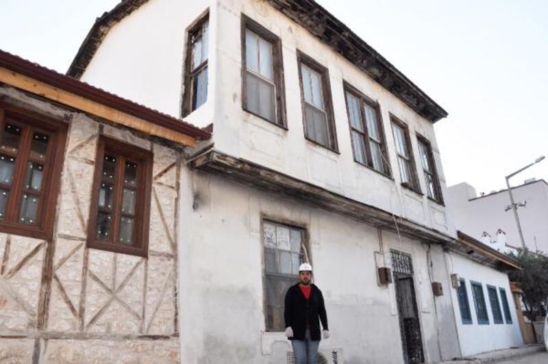 Finike'de tarihi yapılar restore ediliyor