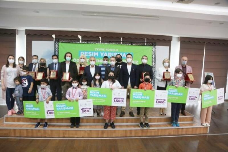 Öğrenciler hayallerindeki çevre resmiyle yarışmaya katıldı