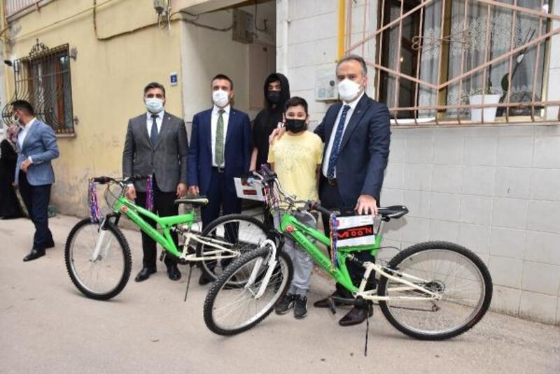 14 yaşındaki Emirhan'ın bisiklet hayali gerçekleşti