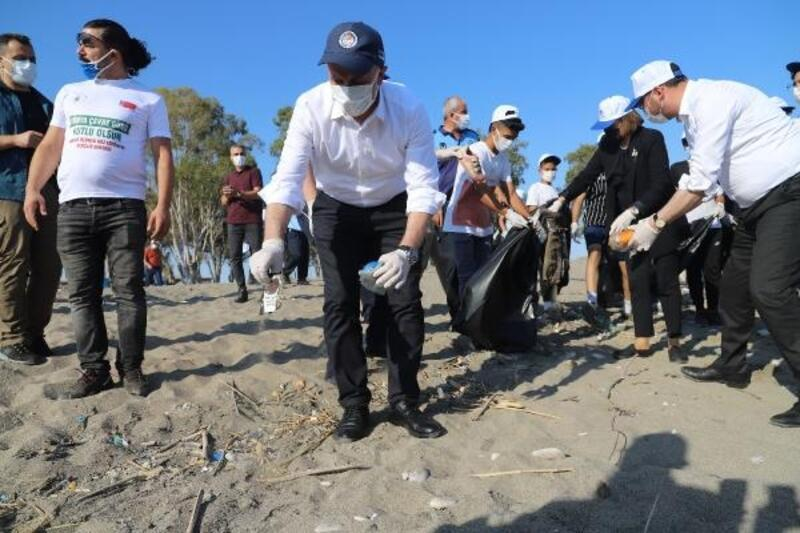 Mersin'de Caretta Carettaların yuvalama alanları temizlendi