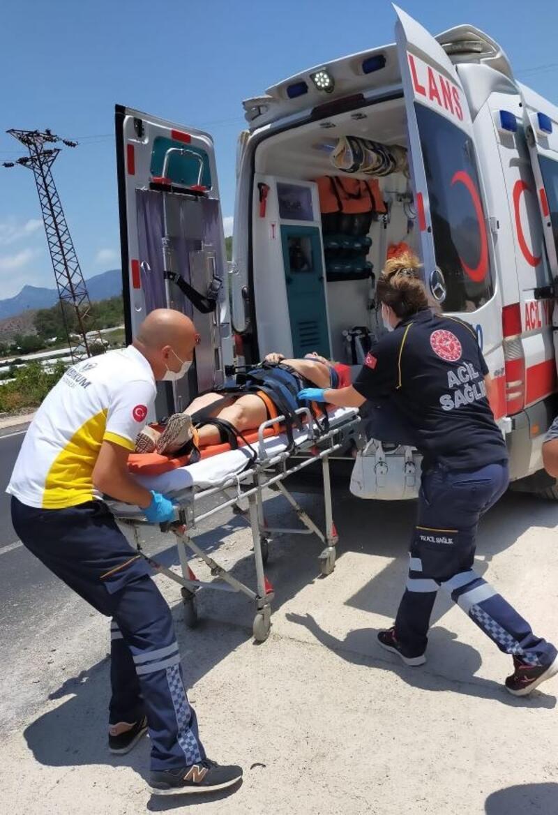 Kazada anne kız yaralandı