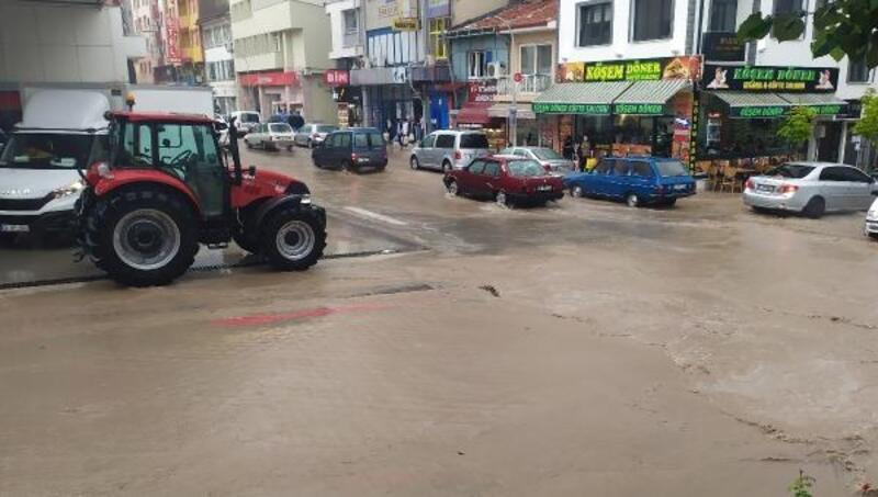 Emirdağ'da dolu ve yağmur etkili oldu