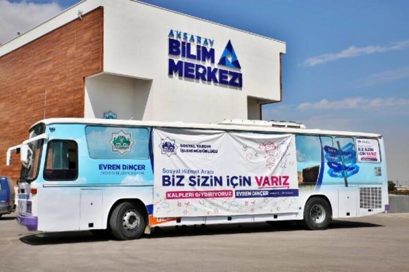 Aksaray Belediyesi'nin mağazaya dönüştürdüğü otobüs, ihtiyaç sahipleri için yola çıktı