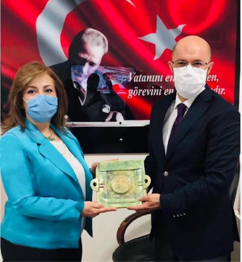 Türk Kadınlar Konseyi'nden huzurevi çalışanlarına teşekkür ziyareti