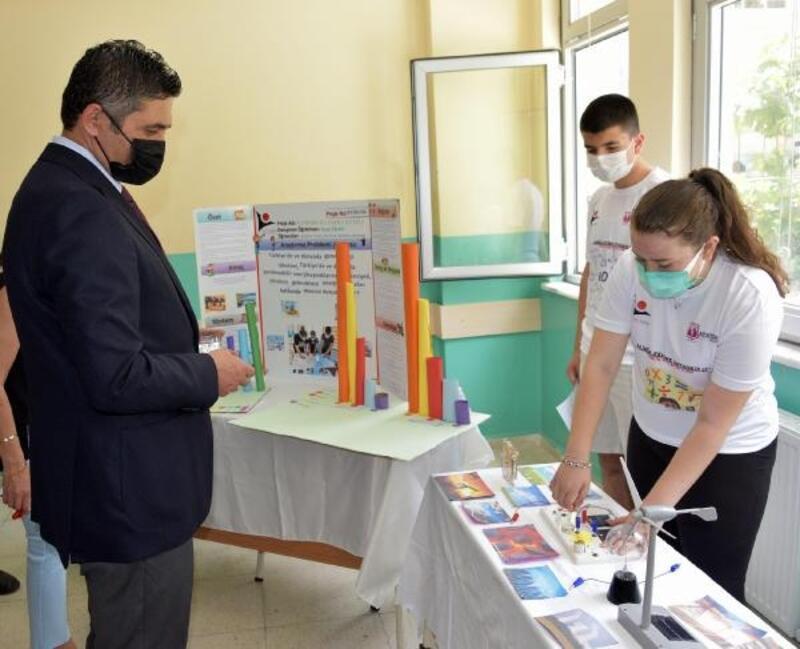 Atatürk Ortaokulu'nda TÜBİTAK 4006 Bilim Fuarı