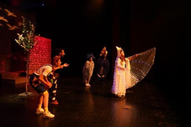 Diyarbakır'da, Şehir Tiyatroları perdelerini açıyor
