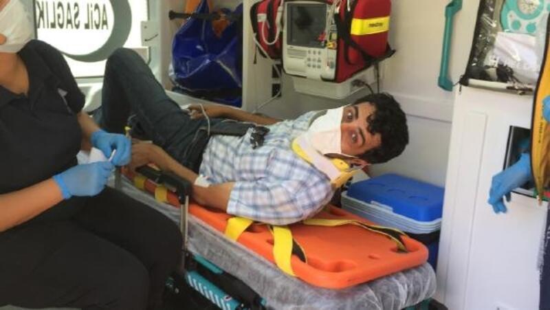 Hafif ticari araçla çarpışan motosiklet sürücüsü yaralandı