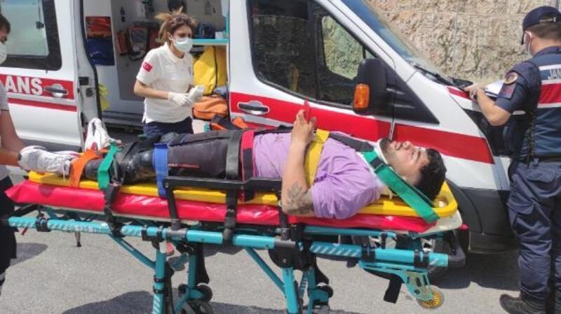 Virajı alamayan motosikletin sürücüsü, yaralandı