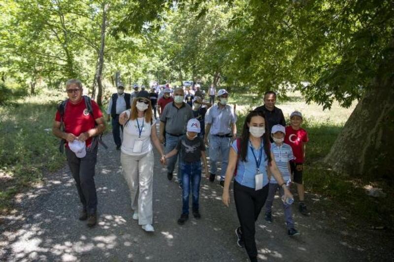 Büyükşehir'den babalar ve çocukları için doğa yürüyüşü