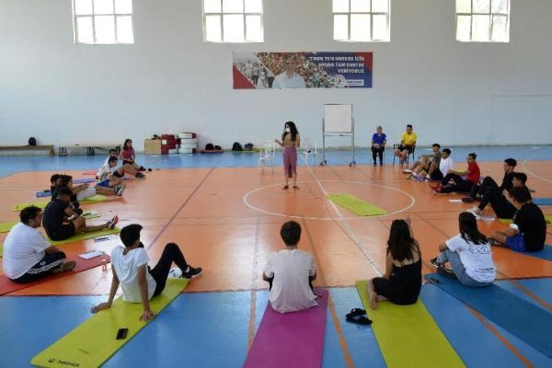 Muratpaşa'dan gençlere tam destek