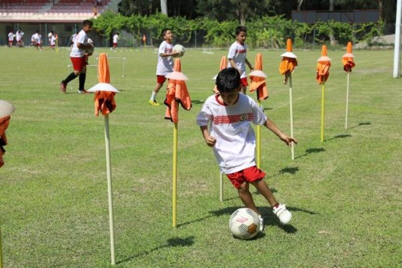 Yüreğir Belediyesi Futbol Kursları devam ediyor