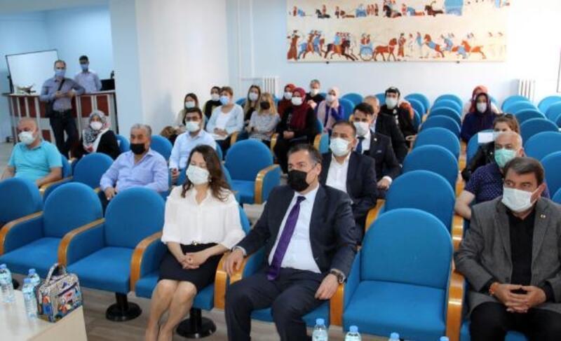 Dinar'da koruyucu aile semineri