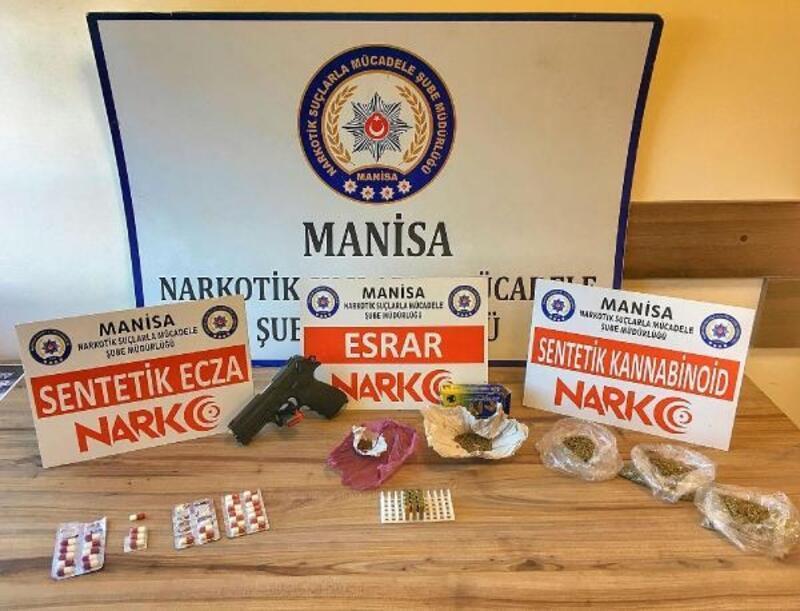 Manisa'da uyuşturucu satıcılarına operasyon: 3 tutuklama