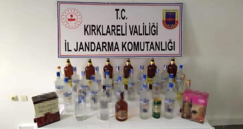 Yurt dışından getirdiği alkolleri çevre köylerde satan kişi yakalandı