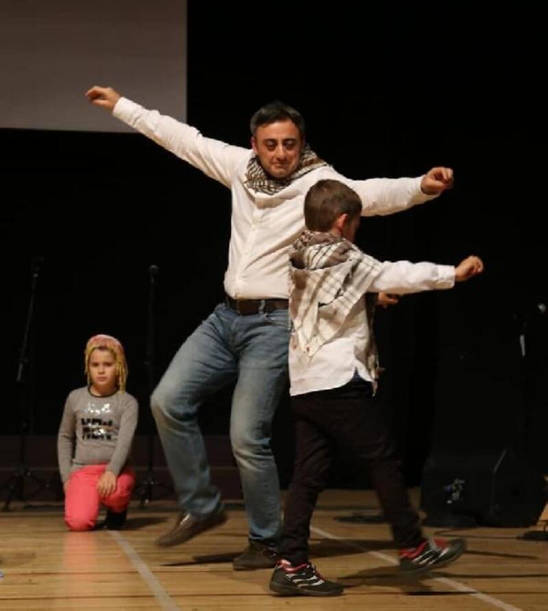 Türk ve mülteci çocuklar masal tiyatrosunda sahne alacak