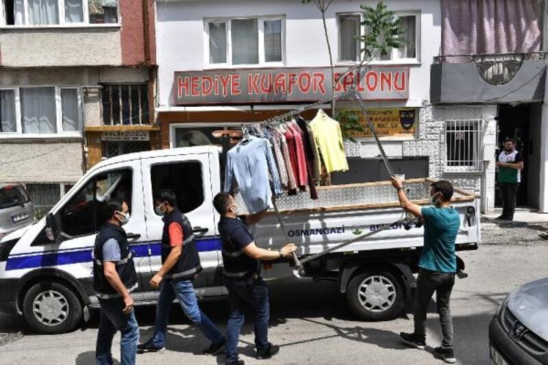 Osmangazi Belediyesi ekiplerinden kaldırım çalışması