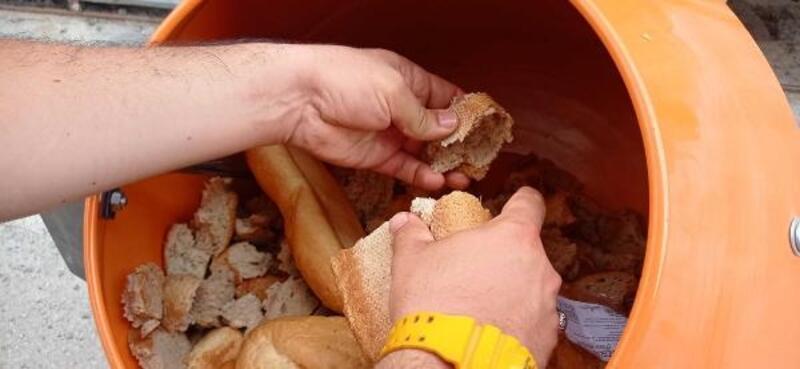 Sıfır Atık Projesi ile sokak hayvanları için mama üretimi yapıldı