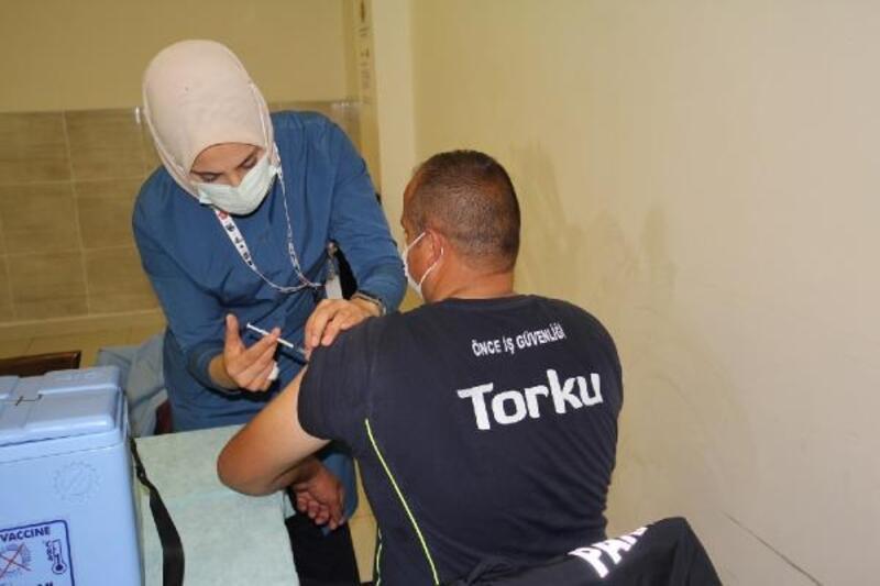 Anadolu Birlik Holding, 16 fabrikada aşı odaları kurdu