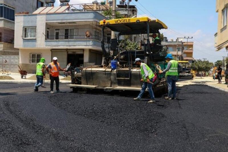 Mersin'de yollar da kaldırımlar da yepyeni görünüme kavuşuyor