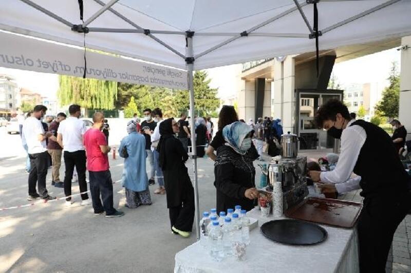 İnegöl Belediyesi, YKS sınavında gençlerin yanında