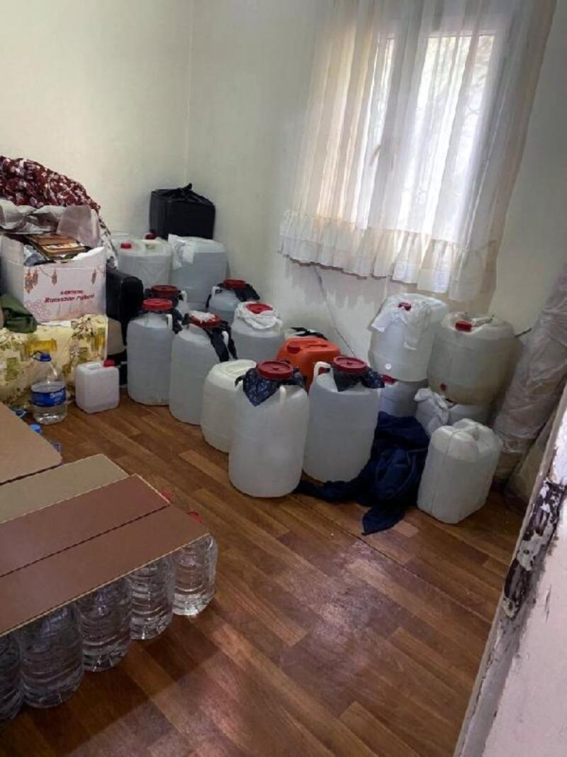Adana'da kaçakçılık operasyonu: 5 gözaltı