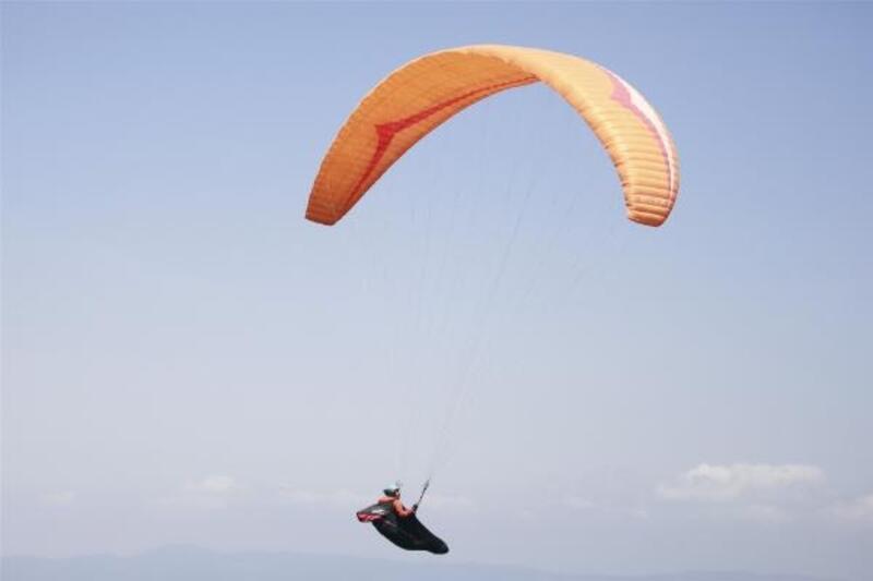 Gürle Dağı'nda yamaç paraşütü heyecanı