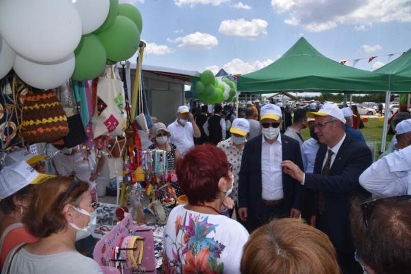 Keşan'da yöresel ürünler pazarı açıldı