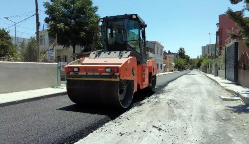 Tarsus'ta yol onarım ve asfaltlama çalışmalarına devam ediliyor