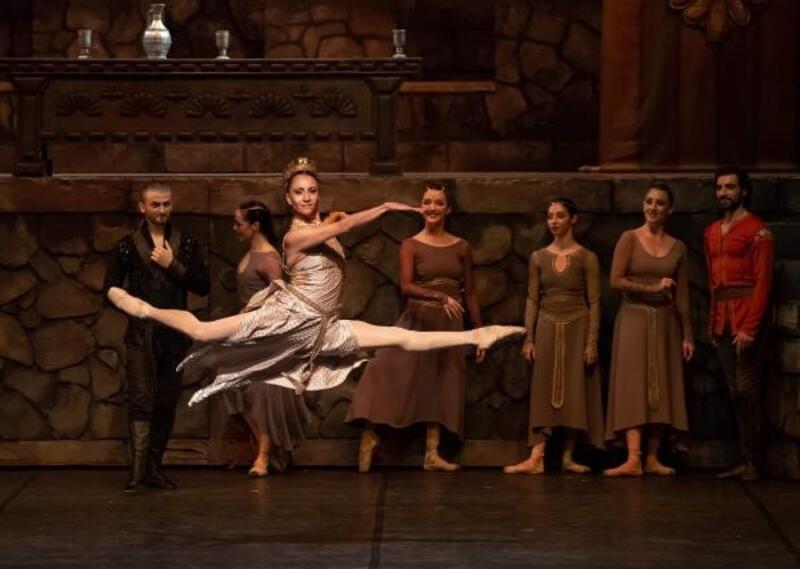 Türkiye'nin en iyileri Mersin'de dans edecek