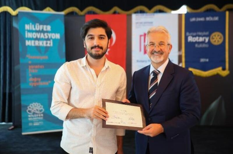 'Gençlerle Yarına Bir Adım' eğitim programına katılan gençler, sertifikalarını ald