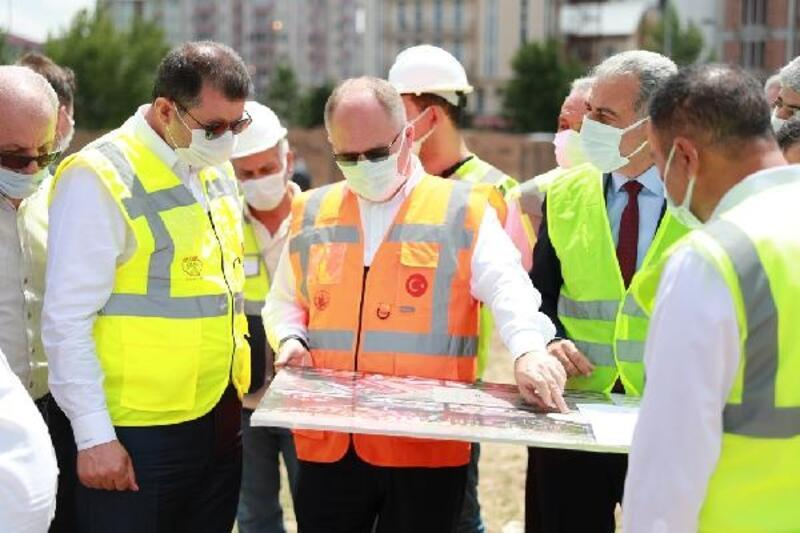 Vali Ayhan belediye projelerini yerinde inceledi