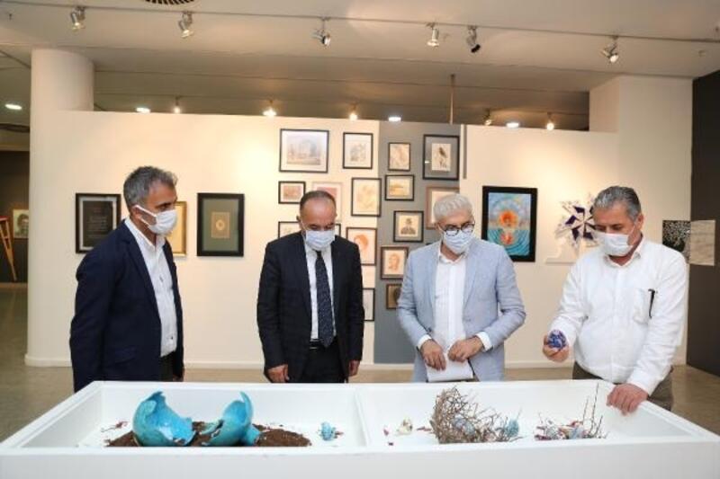 Güzel Sanatlar Akademisi öğrencilerinin çalışmaları İz Sergisi'nde