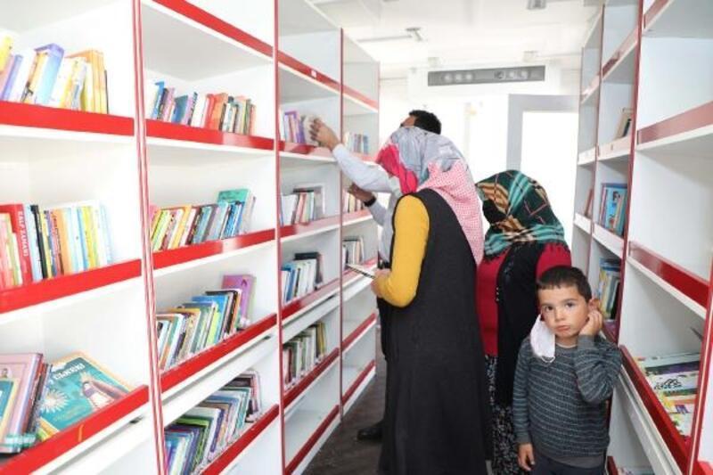 Talas'ta gezici kütüphane mahallelerde