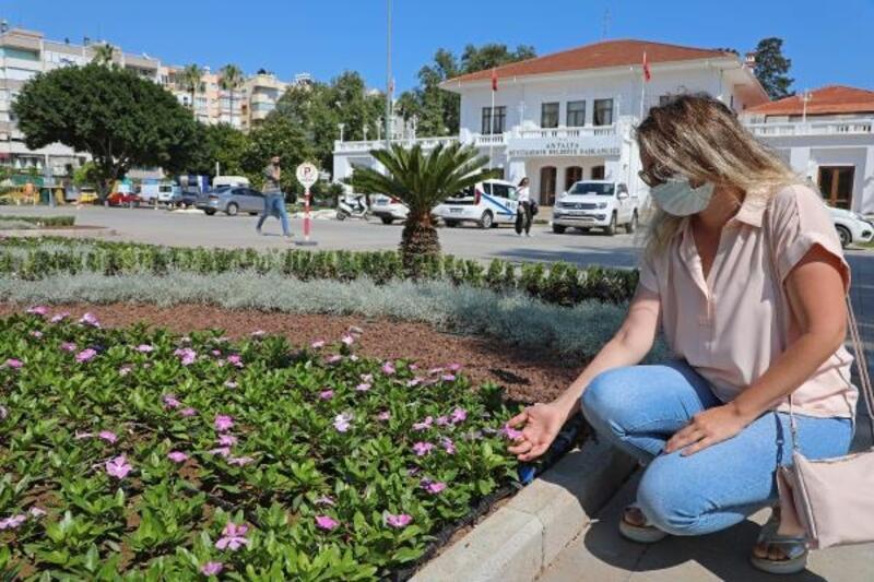 Büyükşehir'den Karaalioğlu Parkı'na modern peyzaj