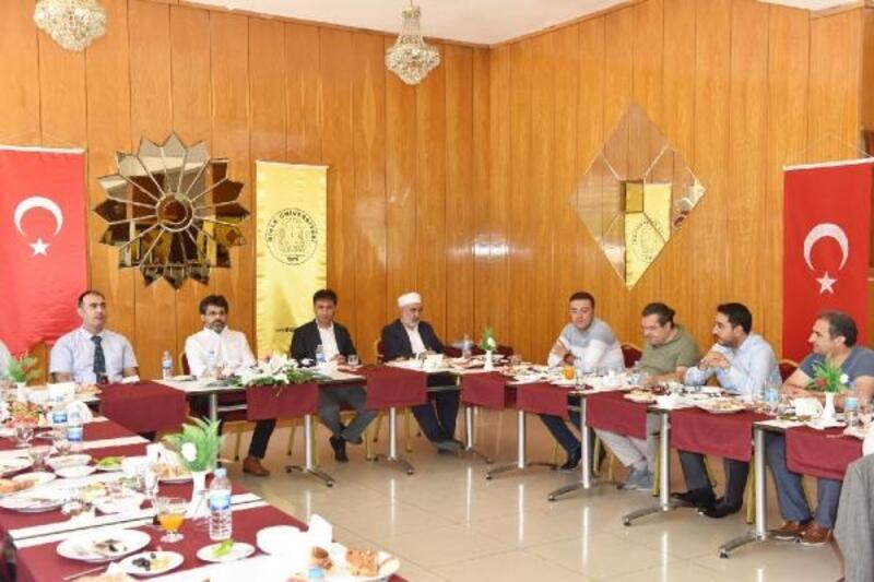 DÜ Rektörü Karakoç, STK temsilcileriyle buluştu