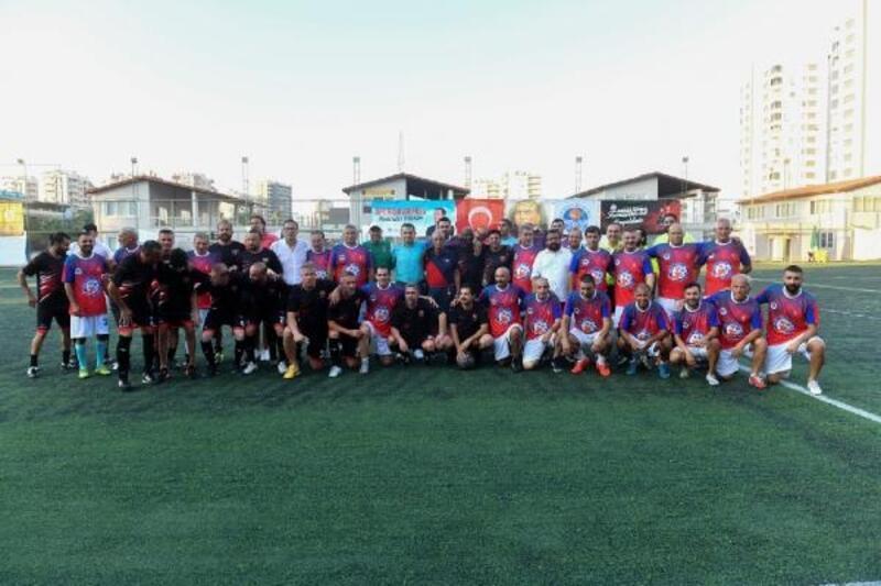 Yıldızlar Bahar Futbol Turnuvası'nda miniklerle buluştu