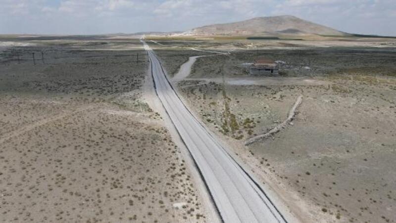 Konya Büyükşehir'den Cihanbeyli'ye 19 kilometre mahalle yolu