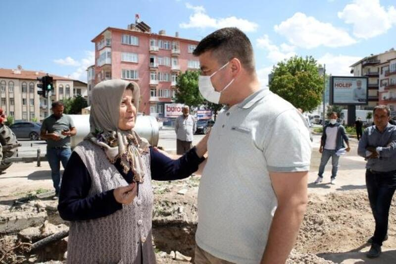 Aksaray Belediye Başkanı, projeleri vatandaşlarla birlikte hayata geçiriyor