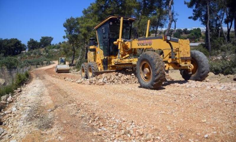Batı mahallelerinde asfalt için hazırlık