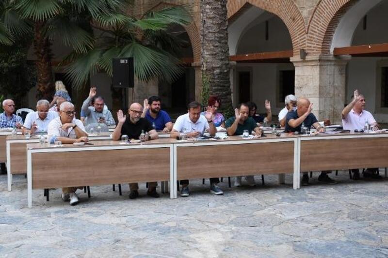 Kuşadası Belediye Meclisi'nden 'Altın Güvercin' kararı