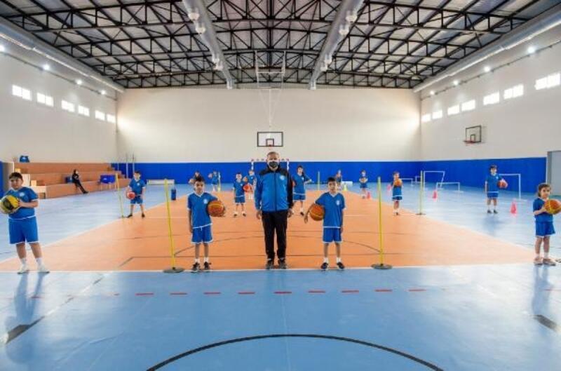 Seyhan'ın spor okullarında 2 bin genç kurs görüyor