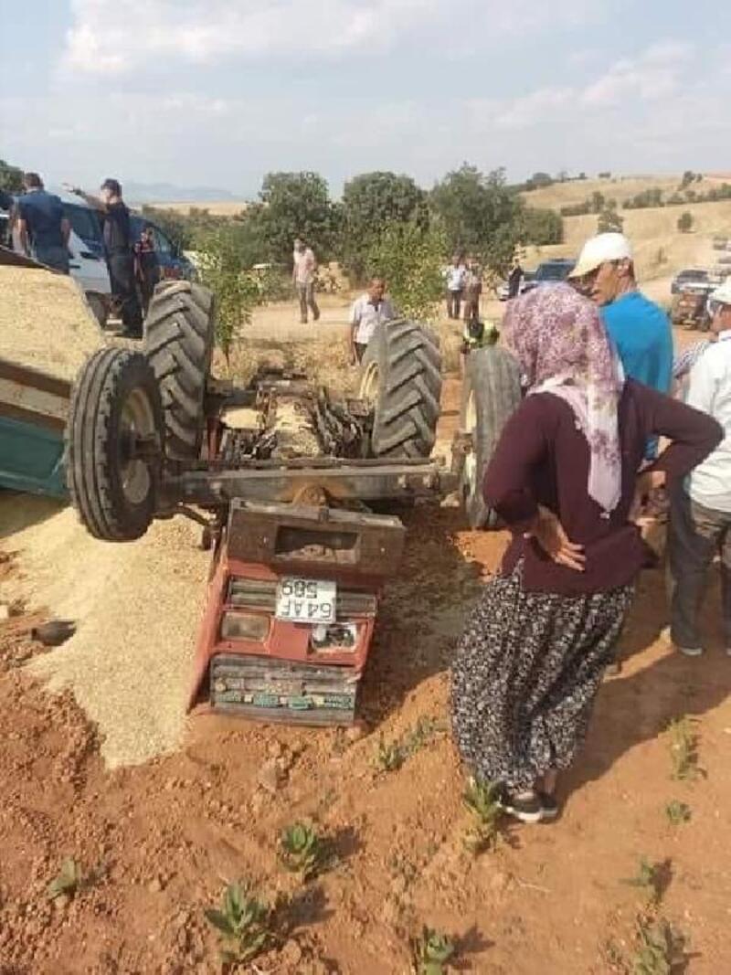 Devrilen traktörün altında kalan sürücü öldü/ Fotoğraf
