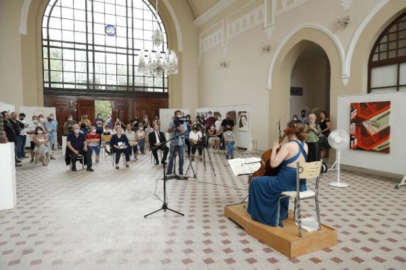 Trakya Üniversitesi'nin yıl sonu sanat sergisi açıldı