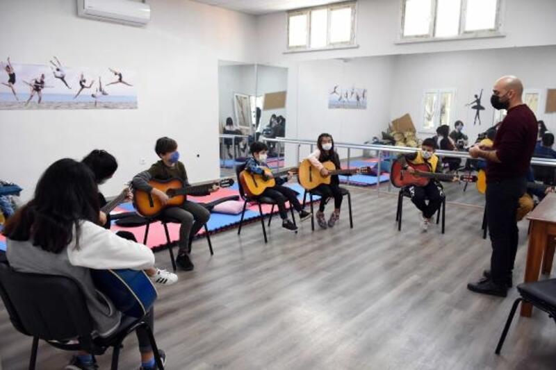 Tarsus Belediyesi kurslarına ilgi
