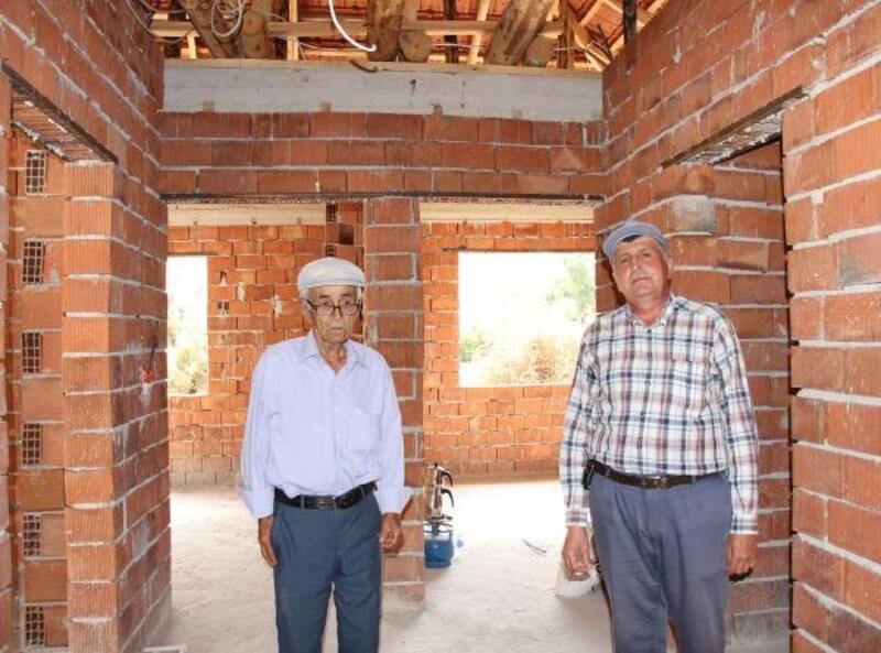 Yarım kalan ev inşaatı için yardım bekliyor